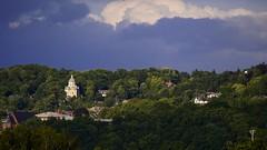 Niche dans un crin de verdure (Yasmine Hens) Tags: clouds landscape europa flickr belgium ngc nuage chapelle namur hens yasmine wallonie iamflickr flickrunitedaward hensyasmine