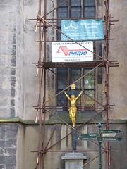 Hanging around (Lalallallala) Tags: kutnahora czechrepublic tsekki matka travel trip bmi bohemia christian church crucifix funny
