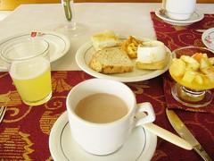 P1210174 (Gabriela Andrea Silva Hormazabal) Tags: food aimentos comida breakfast desayuno chocolate juice jugo facturas fruta fruit