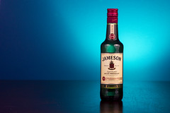 Jameson (Alvimann) Tags: jameson whisky scotch sco escocia bottle botella beverage bebe bebida beber reflex reflejo reflection colour color colors colours colores etiqueta label logo logotype logotipo alvimann celeste lightblue blue bluish light lights illumination illuminate iluminacion iluminado luces luz