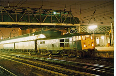 31418 Doncaster (British Rail 1980s and 1990s) Tags: britishrail br class31 31418 31 doncaster train rail railway station diesel loco locomotive night 1980s 80s type2 eighties livery ecml eastcoastmainline er easternregion brush yorkshire mainline trains liveried traction