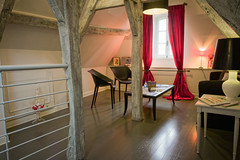 "Le Loft - Salon <a style=""margin-left:10px; font-size:0.8em;"" href=""http://www.flickr.com/photos/130830845@N06/17149950785/"" target=""_blank"">@flickr</a>"
