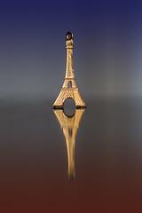 Parigi, Torre Eiffell (Minieri Nicola) Tags: memorial arte torreeiffel riflessi francia architettura paesaggio parigi bello simmetrie