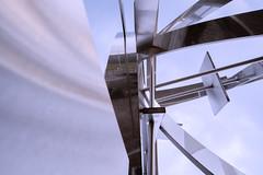 Mirroring (Rainer Schund) Tags: art architecture abend nikon spiegel atmosphere architektur universitt metall spiegelung mirroring unschrfe nikond700