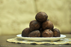 Undampori (ഉണ്ടൻ പൊരി) / Sweet Bonda / Kerala Bonda (Babish VB) Tags: snack sweetsnack sweetbonda undampori undanpori keralabonda bonda kerala kochi india keralasnack indian indiansnack kayappam teastallsofkerala sweet keralacuisine teatimesnack cameraeatsfirst nikond90