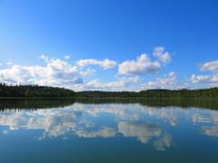 (Camusi) Tags: blue camping summer lake canada water north nwt rivire canoe bleu northwestterritories t tno nord yellowknife northof60 ingrahamtrail yellowkniferiver