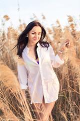 Daria 016 (Svetlana Kniazeva) Tags: park sunset portrait beach canon model dubai style photosession lifestylephotography 50mmf12l dubaiphotographer svetlanakniazeva photosessionindubai