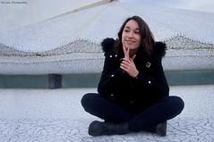 Isa (Miriam MV.) Tags: barcelona blanco chica mirada 2015 pensativa sentada