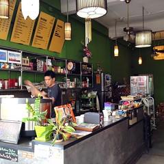 #plearncoffee #coffee #charoenmueangroad #chiangmai #thailand #กาแฟสดเพลิน #ถนนเจริญเมือง #เชียงใหม่ #baristaatwork #cafehoppingchiangmai