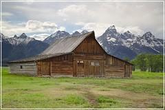 T.A. Moulton Barn (DFGPhotography) Tags: grandteton jacksonhole moultonbarn canoneos5dmarkiii