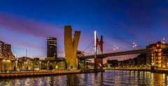 Hora azul en el Puente de la Salve(Bilbao) (chuscordeiro) Tags: blue españa night atardecer noche torre bilbao cielo nubes sly turismo vasco ria euskadi nervion iberdrola canon1022 horaazul canon7d