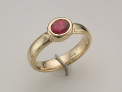 Red sapphire 14kt yg ring