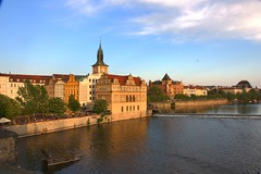 A Beautiful Evening in Prague! (kekaneshrikant) Tags: sun beautiful canon eos evening quiet czech prague czechrepublic charlesbridge czechia 1585 450d