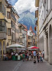 Laubengasse (Matt H. Imaging) Tags: ©matthimaging meran merano sudtirol altoadige street sony slt sonyalpha slta55v a55 tamron tamron18270pzd