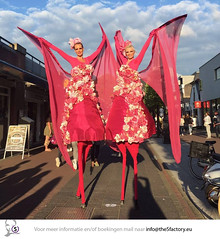 flower bombs bloem steltenlopers the S factory 2016 3 (thesensefactory) Tags: pink flower stilts bloemen roze bloem stiltwalkers stelzentheater steltloper steltlopers steltenlopers steltenloper thesfactory