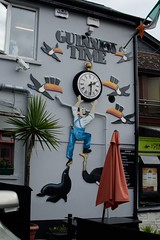 What time is it? (tpatt83) Tags: guinness john gilroy clock ostrich tucan ireland skibbereen skibb west cork pub pint beer advertising advertisment seal patio 230 1430 schedule adjustment wall art time emerald isle nikon 2016 summer