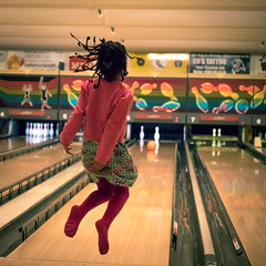 Happines! (Stig Johansson) Tags: party girl happy bowling happines