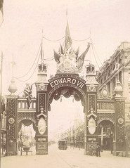 Edward VII Coronation Arch, Princes Bridge, 1901 (St Kilda Historical Society) Tags: blackandwhitephotograph