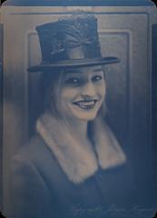 Top Hat (Jürgen Hegner) Tags: portrait bw analog schwarzweis 13x18cm jürgenhegner nikkorw240 shenhaofcl57a
