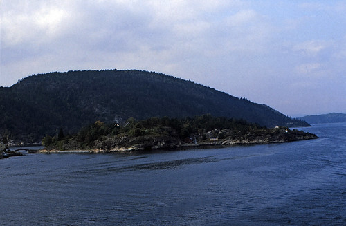 "30 Oslofjord 1984 • <a style=""font-size:0.8em;"" href=""http://www.flickr.com/photos/69570948@N04/17020070571/"" target=""_blank"">View on Flickr</a>"