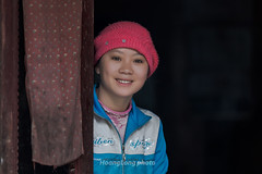 Y1083.0213.Nm Cang.Thanh Ph.Sapa.Lo Cai (hoanglongphoto) Tags: asia asian vietnam northvietnam northwestvietnam people life dailylife indoor women girl portraits womenportrait girlportrait hmongwomen hmonggirl canon canoneos1dx canonef70200mmf28lisiiusmlens tybc locai sapa thanhph nmcang conngi cucsng ithng trongnh chndung thiunhmng phnhmng cgihmng ngihmng hmongpeople smile nci ci
