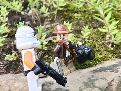 """""""I know this kid who will pay a lot for this thing."""" (kevinmboots77) Tags: clonetroopers indy indianajones starwars legography lego"""