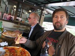 IMG_9515 (grindove) Tags: jesper henrik mat pizza pizzor l