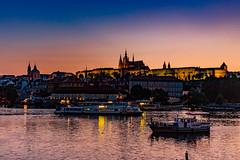 Prager Burg am Abend (Roman Achrainer) Tags: abend prag praha tschechien moldau pragerburg achrainer