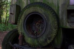 ohne Moos nix los.. (Nic2209) Tags: nikond7200 nic2209 flickr 2016 militrfahrzeugfriedhof kferfriedhof schrottplatz alt verfall ausrangiert stillgelegt abandoned vergessen vergessenheit verlassen abandoment lostplace urbex urbanexploring ninis ninicrew abandonment rost corrosion rusty rostig auto car automobile schrott automobilfriedhof militrfahrzeuge transporter anhnger personenwagen lschfahrzeuge jeeps boote vw sammlung trillertour