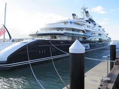 "Serene yacht de 134m <a style=""margin-left:10px; font-size:0.8em;"" href=""http://www.flickr.com/photos/83080376@N03/16403705313/"" target=""_blank"">@flickr</a>"