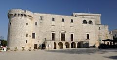 Conversano-Piazza-Castello