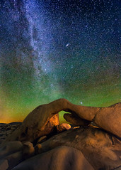 Arch Rock (Wayne Pinkston) Tags: nightphotography sky night canon astrophotography nightsky joshuatreenationalpark joshuetree archrock canon6d landscapeastrophotography waynepinkston lightcraftercom wwwlightcraftercom stoneatch