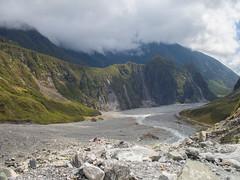 324 - Vue d'ensemble de la vallée du Fox Glacier