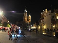 DSCF0579 (ferenc.puskas81) Tags: church night europa europe basilica may poland krakow chiesa fujifilm notte polonia maggio cracovia marketsquare sukiennice 2016 piazzadelmercato basilicadisantamaria mercatodeitessuti