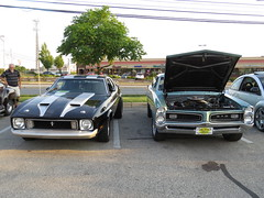 Sonic E. Norriton 6/19/2016 (Speeder1) Tags: cruise blue red black classic ford chevrolet car yellow camino muscle plymouth el sonic chevelle camaro east chevy pontiac gto mustang tempest clone norristown corvette 455 norriton