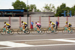Pink (fil.nove) Tags: pink italy bike bicycle canon torino cycling cyclists strada italia rosa piemonte jersey 1750 ciclismo ciclista bici steven lotto tamron turin jumbo giro bianchi maglia racebike ditalia biciclette 2016 squadra divisa ciclisti olandese 60d kruijswijk teamlottonljumbo