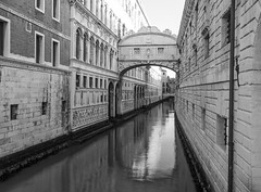Bridge of sighs 2 (Nigel Wallace1) Tags: venice blackandwhite italy holiday water buildings hotel boat olympus tourists explore gondola