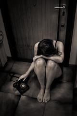 Mino di Marzo (PhotoTeam FORUM Roma) Tags: blackandwhite bw woman white black photography photo donna pain telephone crying cry conceptual telefono sorrow bwphotography dolore solitudine piangere phototeamforumroma