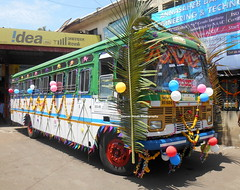 Dulhan!!!!!!!!!!!!!!!!!!!       MSRTC Hirkani Of sangli Depot Bus nicely decorated On her Birthday (gouravshinde94) Tags: msrtc bus hirkani sangli