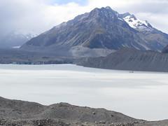 """Mount Cook, glacier <a style=""""margin-left:10px; font-size:0.8em;"""" href=""""http://www.flickr.com/photos/83080376@N03/16572853990/"""" target=""""_blank"""">@flickr</a>"""