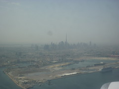 201401006 SV562 RUH-DXB Dubai (taigatrommelchen) Tags: ocean city sky building skyline airplane coast photo inflight dubai ship view harbour engine aerial unitedarabemirates sva 20150312