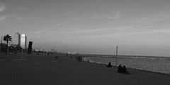 Barcelona beach (miguou) Tags: espagne catalogne spain barcelone catalunya beach plage praia playa nb blackandwhite sunset barcelona panorama panoramique pentax pentaxart