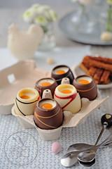 Oeufs coque au chocolat (sylvieaa) Tags: chocolat pques fruitdelapassion paindpice trompeoeil mouillette fauxoeufs