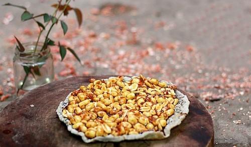 3kẹo đậu phộng Bồng Sơn tuy mộc mạc, giản đơn mà vẫn rất đậm đà hương vị
