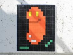 Space Invader FKF_02 (tofz4u) Tags: streetart germany tile frankfurt mosaic spaceinvader spaceinvaders invader wurst allemagne frankfort deutchland mosaque saucisse artderue fkf02
