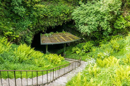 Dunmore Cave Entrance