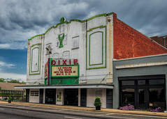 Dixie (Pete Zarria) Tags: louisiana cinema theater film movie palace sign neon marquee
