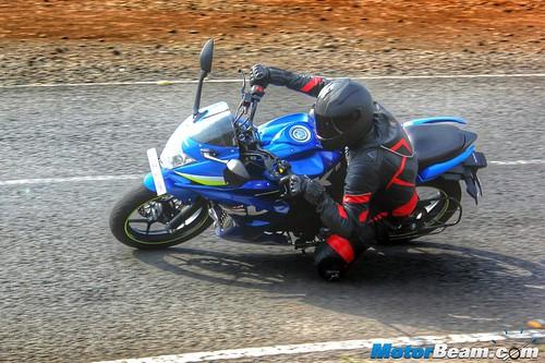 Suzuki-Gixxer-SF-03