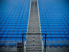 Empty Seats (Edinburgh, Scotland, Gustavo Thomas © 2015) (Gustavo Thomas) Tags: uk blue lines azul scotland edinburgh stadium empty patterns shapes bleu estadio seats figures asientos vacío