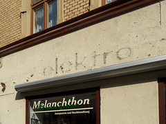 Lutherstadt Wittenberg - elektro (onnola) Tags: shop germany deutschland typography letters laden faded signage schrift geschäft wittenberg antiquariat typographie elektro saxonyanhalt sachsenanhalt beschriftung lutherstadt melanchthon lutherstadtwittenberg